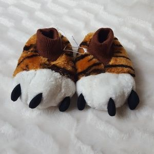 Other - 💰SALE 5/$25 NWT Tiger feet kids sock slippers